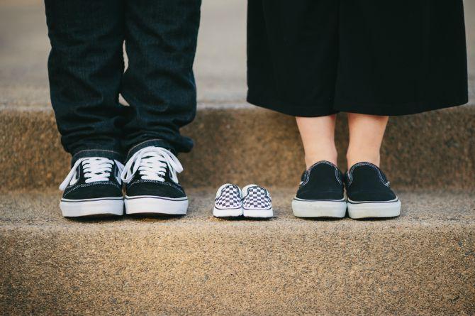 क्या है परिवार को शुरू करने का सही समय ? ज्यादातर विशेषज्ञ इसे नहीं मानते हैं । आगे पढ़िए प्रेगनंट होने की सही उम्र जानने के लिये ।