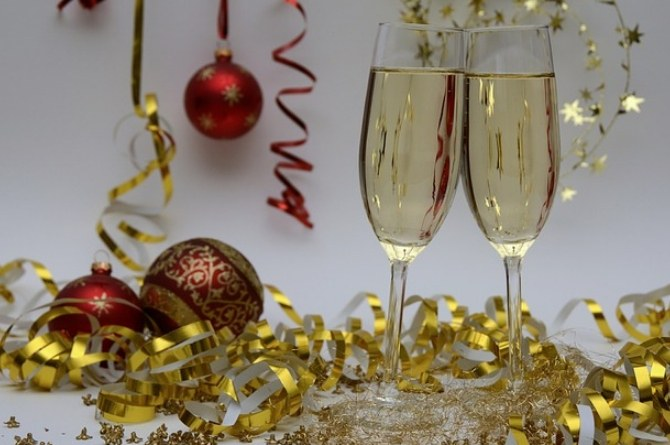 funny christmas party themes