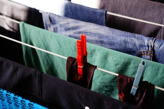 how to dry clothes fast in rainy season